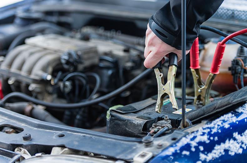 Akkumulátor ceges auto